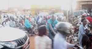 Aamuruuhkaa Kampalan laidalla