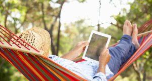 e-kirja, äänikirja, lukuvinkit, riippumatto