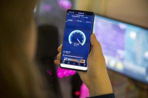 Paulin pelivideot testaa Elisan 5G-liittymää.