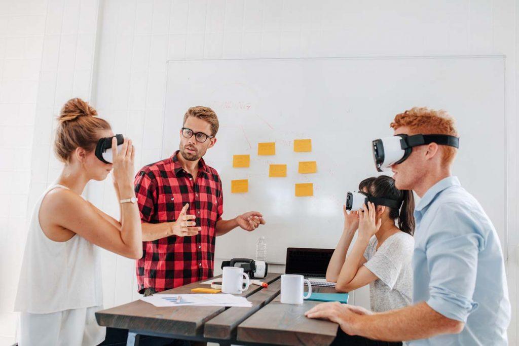 Visrtuaalitodellisuus 5g mobiililaajakaista Elisa